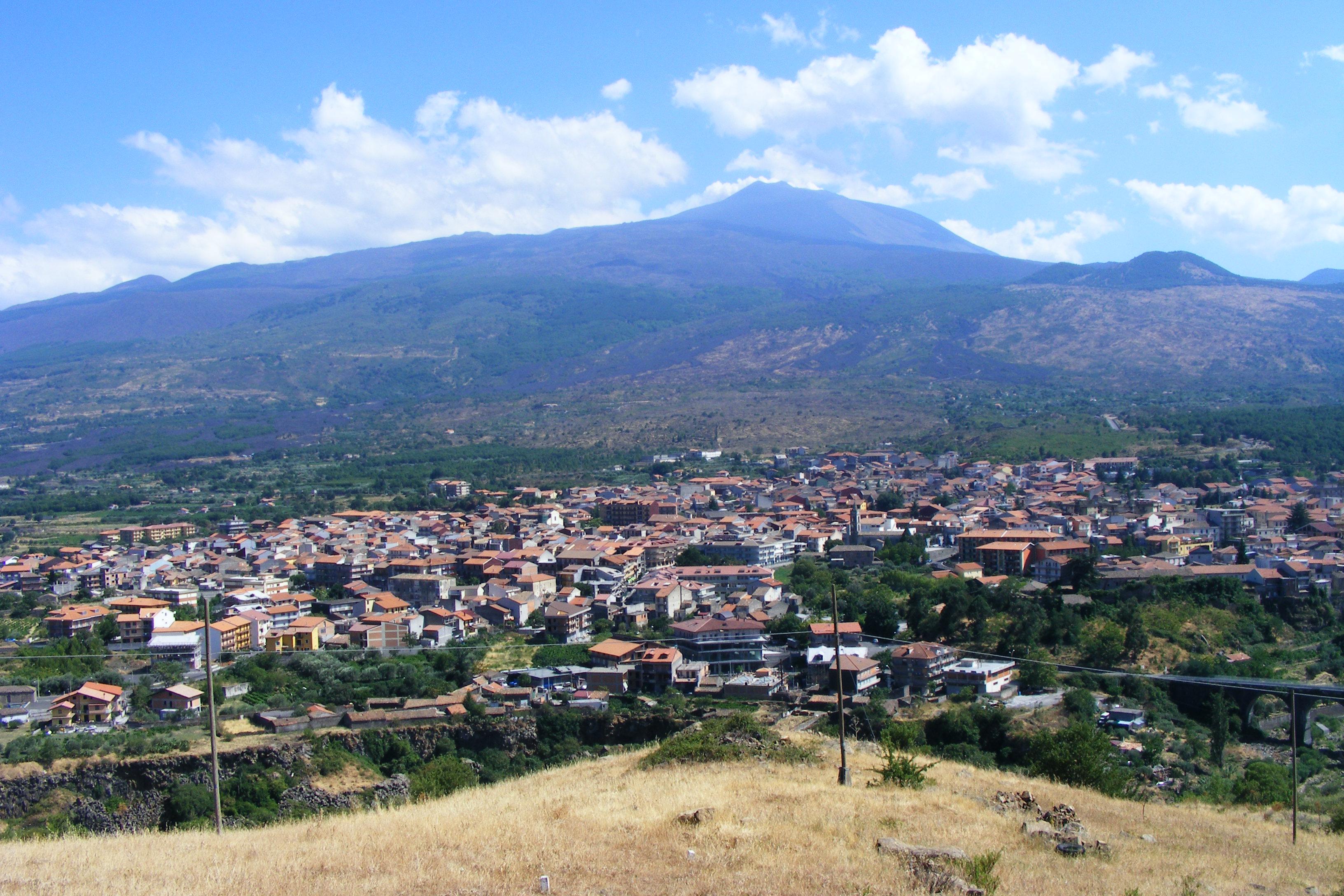 Immagini di randazzo panorami for Foto di zig e sharko